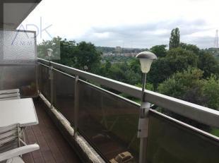 Liège : Situé dans un parc privé à proximité du centre-ville et accès d'autoroute, bel appartement avec vue