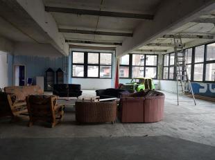 Venez découvrir cet espace exceptionnel à réhabiliter en espaces divers (Loft, bureaux, salle de sport, ...) en partant d'une feu