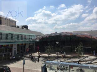 Liège: Situé à proximité du centre commercial Médiacité, du centre-ville et des transports en commun. Spacie