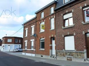 Liège : Spacieuse maison composée de 4 chambres entièrement rénovée. Elle est composée au rez-de-chauss&eacu