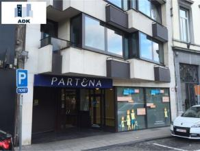 Boulevard d'Avroy, ensemble de bureaux rénovés récemment sur 400m² et 5 emplacements de parking en sous sol. ce bien est id&