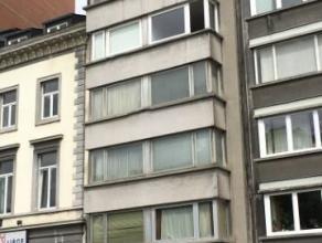 Liège : Situé au centre de Liège avec vue sur le Boulevard d'Avroy. Bel appartement au 5ème étage disposant d'un gr