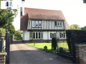 Cointe : Situé dans le parc privé de Cointe dans une belle villa 4 façades. Charmant appartement 2 chambres au 1er étage.