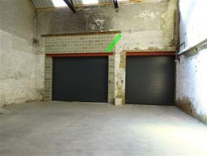 Entrepôt de stockage d'une superficie de 71m² (13x5,5m) à proximité de toutes commodités. Accès sécuris&