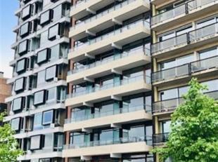 """Proche des Guillemins, dans la Résidence """"Valencay"""", un spacieux appartement dapproximativement 160m2 comprenant : Hall dentrée (3.35x2)"""