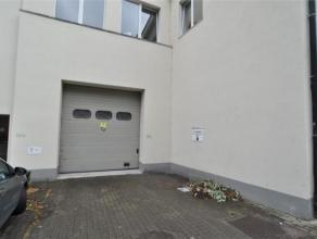 Idéalement situé à 2 pas du Centre de Liège: ENTREPOT (92M²) situé dans un complexe SECURISÉ - EQUIPE E
