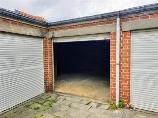 Idéalement situé au centre de Rocourt, SPACIEUX GARAGE (52M²) Largeur garage: 7,9m - Profonfeur garage: 6m Largeur porte: 2,2m - Ha