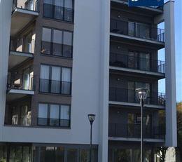 Situation exceptionnelle sur le campus de la plaine à Ixelles proche de DELTA , deux rez-de-chaussée commerciaux vendu CASCO et hors fra