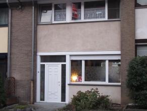 Maison unifamiliale 3 ch avec grand balcon et jardin, Possibilité de louer un garage.Idéalement située dans un quartier calme &ag