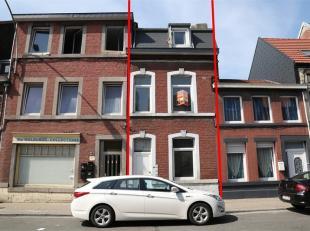 Maison unifamiliale idéalement située, proche de toutes commodités (bus, écoles, autoroutes, magasins) composée com
