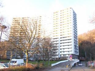 Appartement lumineux deux chambres au 6ème étage d'une résidence proche des centres ville de Liège et d'Herstal, des magas