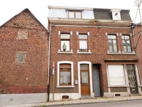 Maison à rénover se composant au rez-de-chaussée: salon (17m²), couloir (8m²), cuisine semi-équipée (14m&
