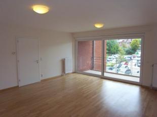 Au coeur d'Ottignies, ce très bel appartement 2 chambres vous séduira, que ce soit par sa situation idéale non loin de la gare &a