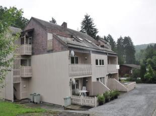 Appartement dangle de plain-pied avec terrasse ensoleillée. Beau complexe de 7 apparts, gd jardin commun, situé dans un domaine priv&eac