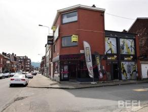 """Maison de commerce et d'habitation composée de 2 commerces et d""""un Duplex en excellent état ( nouvelle toiture ) Composition: Salon de c"""