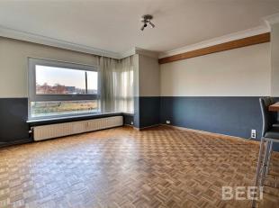FAIRE OFFRE - Liège centre : Appartement très lumineux avec une vue imprenable sur la meuse. Il se compose : d'un grand espace de vie, d