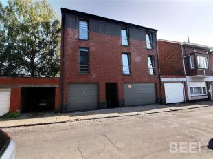 Magnifique appartement de deux chambres, garage, cuisine équipée, SDB, beau séjour, terrasse couverte, WC, CCG, A visiter