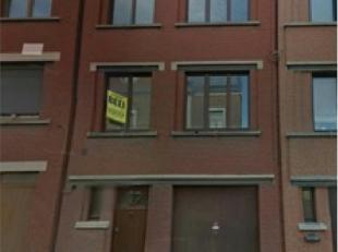 Belle maison 3 chambres à louer, garage une voiture, cave, living, cuisine équipée, buanderie, SDD, CCM, DV 765 euro + charges 04