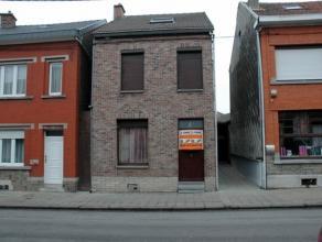 Spacieuse maison, idéalement situé à grâce-Hollogne à 300 m de la place du pérou. maison en bon état c