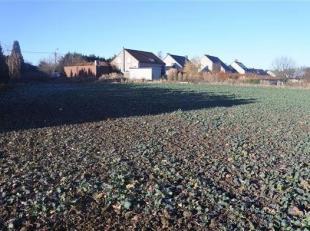 Magnifique terrain à bâtir d'une surface de 1636 m2, en retrait de la route, proche de l'E42, HUY/Wanze/Antheit. Situation idyllique, exp