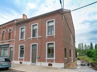 Amay (Ombret): venez découvrir cette spacieuse maison 5 chambres aux volumes impressionnants sur 1095 m² de terrain. D'une surface habitab