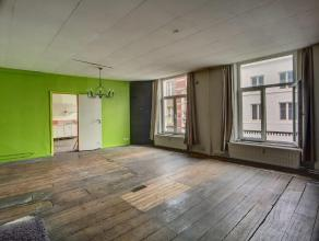 FO àpd 142.000 euro. Très bel appartement dans lhyper centre de Liège ! Situé au 2 ème étage dun bâtim