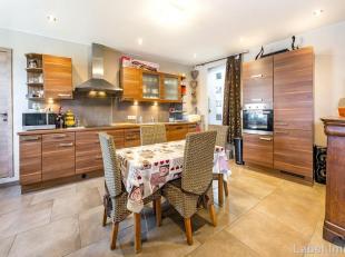 Venez découvrir cette charmante maison 3 façades de 185 m² habitables en parfait état. Le tout agrémenté d'une