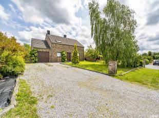 OPTION !!! OPTION !!! OPTION !!!Magnifique villa dans un cadre verdoyant renfermant une surface habitable totale de 170 m². Au rez-de-chauss&eacu