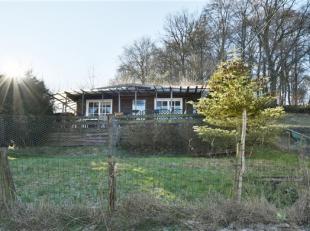 Situé dans le charmant village de Libois, dans un environnement boisé et campagnard, chalet 1 chambre de +- 55 m² érig&eacut