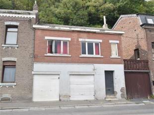 OPTION !!! Situé proche du centre d'Amay, maison 2 façades de +- 60 m² à rénover. Composition : rez-de-chaussé