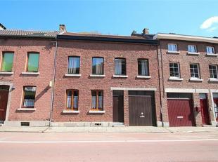 Le bureau OPPIDUM vous invite à acheter cette jolie maison située dans un quartier calme. Elle est composée au rez-de-chauss&eacu