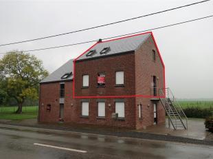 Appartement/duplex de +/- 80 m² composé de 3 chambres et garage. Ce spacieux appartement est équipé d'un thermostat d'ambian