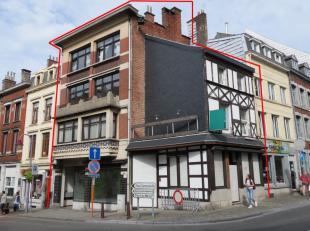 REZ: commerce (Horeca) de +/- 50 m², entièrement rénové: magasin, salle, cuisine et caves:  aux normes de l'AFSCA.<br /> 1er