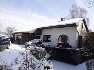 Mooi villa (bungalow) met tuin, garage, 3 slaapkamers. Prachtige omgeving.