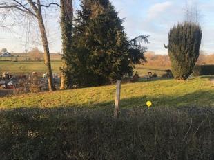 Beau terrain à bâtir de 1062 m², tout proche du centre du village de Grand-Rechain, sur le Plateau de Herve.