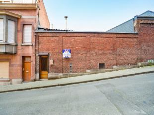 Maison dhabitation offrant de nombreuses possibilités daménagement, sous réserve de permis durbanisme. Avec trois niveaux de 63 m