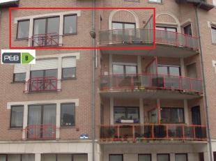 """Appartement dans la """" Résidence Prince Philippe""""en bon état (1992): Au sous sol : cave. Appartement : 2 chambres, living, salle de bain,"""