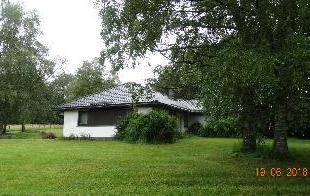 A vendre, proximit des bois, magnifique proprit sur terrain de 18907 m et avec 7 chambres ! Le bien se compose comme suit : - au rez-de-chausse : un g