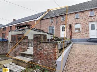 GRAND-LEEZ<br /> Venez découvrir cette coquette maison située dans le prisé village de Grand-Leez.<br /> Celle-ci bén&eacu