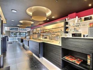 JAMBES<br /> Magnifique surface commerciale actuellement exploitée en boulangerie-salon de dégustation.<br /> bel surface lumineuse avec