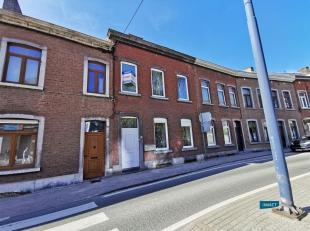 SAINT SERVAIS, rue de Gembloux 237  -  Spacieuse maison de ville avec jardin et terrasse (Sud). Située à 2.5km du centre de Namur, ce bi