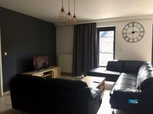 NAMUR rue Nanon, n° 9 : Magnifique appartement de de 112 m² à 1 minute de la gare comprenant : hall d'entrée, W.-C. avec lave-m