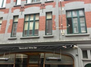 NAMUR rue des Brasseurs 24 : Bel appartement lumineux de 70 m² situé au 2ème étage d'un immeuble en plein coeur de Namur. Co