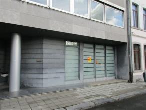 NAMUR-<br /> Boulevard Frère Orban, 5Belle surface de bureau<br /> d'une superficie totale de 113m² au rez-de-chaussée<br /> compre