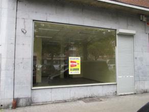 NAMUR<br /> - Place Maurice Servais, 12Surface commerciale de<br /> +/- 48 m2 situé au coeur de Namur à proximité de nombreux<br