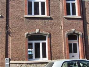 NAMUR<br /> - Rue Denis Georges Bayar, 55. Maison familiale entièrement<br /> rénovée composée d'une cuisine équip&