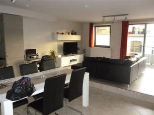 NAMUR<br /> centre - Boulevard Ernest Mélot 15/8Grand studio au 2ème étage composé d'un living avec cuisine super é