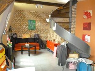 NAMUR<br /> - Rue Emile Cuvelier, 60.Agréable duplex situé<br /> au 3ème étage et composé d'un séjour avec c