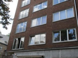 NAMUR - Place Maurice Servais, 14Bel appartement spacieux et lumineux au troisième étage d'un immeuble de 5 étages<br /> situ&eac