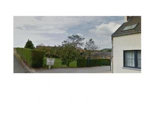 ROUX:<br /> Rue de Fontaine-L'EvêqueBeau terrain à<br /> bâtir, en zone d'habitat et pour partie en zone agricole, dans un<br /> en